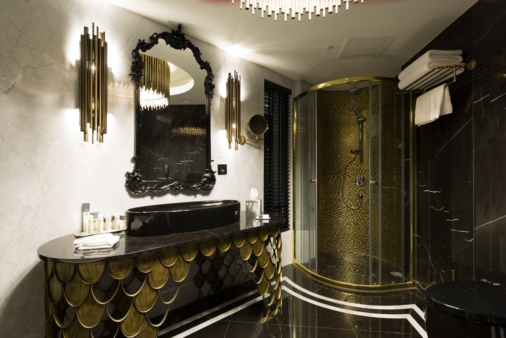 hotel bathroom artdeco
