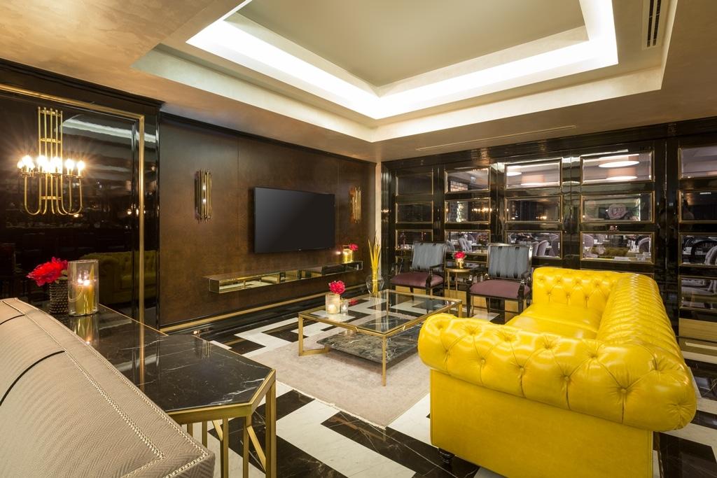 hotelroom 17