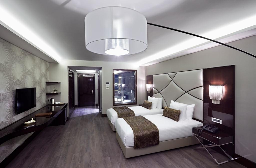 hotelroom 6